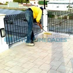 Impermeabilizante Magic Terrace de Idroless acaba con las filtraciones de agua desde balcones y terrazas