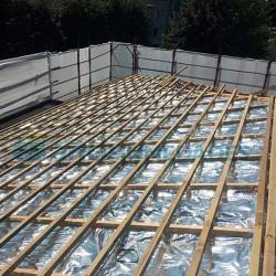 Aislante Reflexivo  de aluminio y espuma de polietileno para aislamiento de tejados