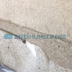 Aplicar Hidrorin de Idroless en fachada para evitar las manchas de la orina y los malos olores