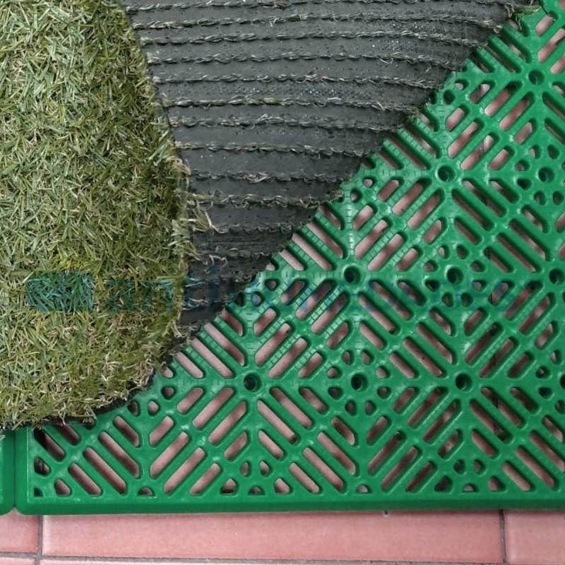 loseta antihumedad de polipropileno verde como base para suelos o para colocar césped artificial