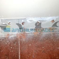 Realización de taladros para inyectar Gel Creamsilan 80-600 Idroless en paredes y muros.