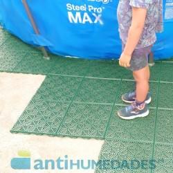 Loseta antihumedad de polipropileno color verde para colocar debajo de piscina.