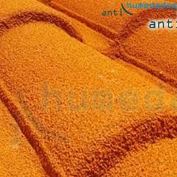 Pintura a base de resinas naturales y corcho aplicada en tejados para impermeabilización y aislamiento