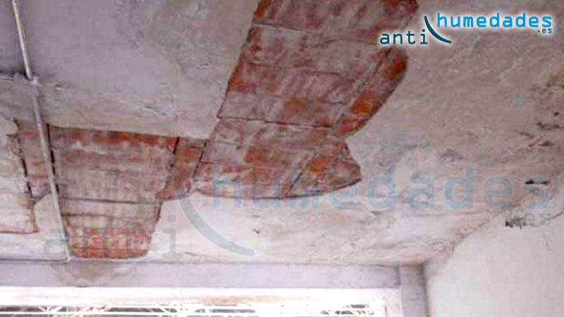 Grietas en techos por problemas en vigas y placas