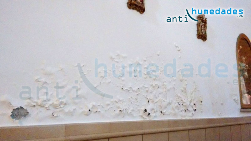 Humedades por capilaridad ascendente a través de muros degradados