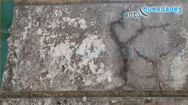 Grietas en fachadas por deterioro de materiales que causan humedades por filtracion