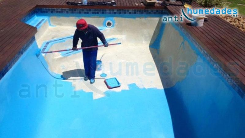 Como reparar las grietas y proteger tu piscina del paso for Como limpiar fondo piscina