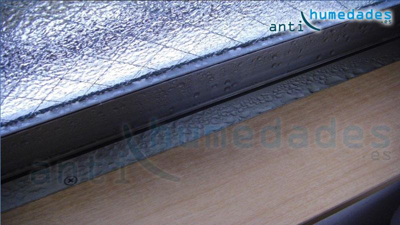 Las humedades por condensación son uno de los principales focos de moho y hongos, además de deterioro en paredes, muebles, ...