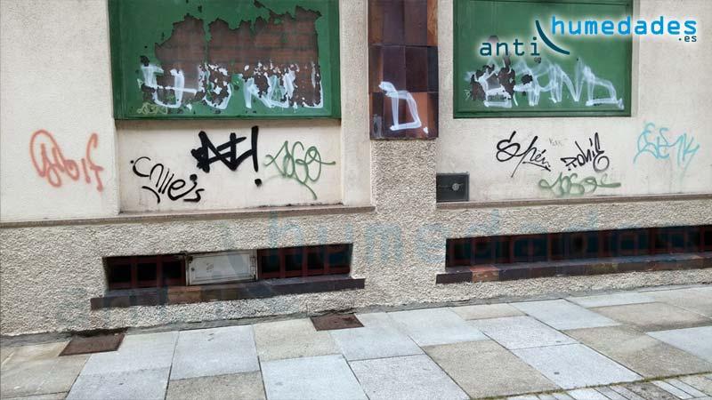 Los grafitis ensucian y ponen en peligro la integridad de las superficies por culpa de las limpiezas agresivas.
