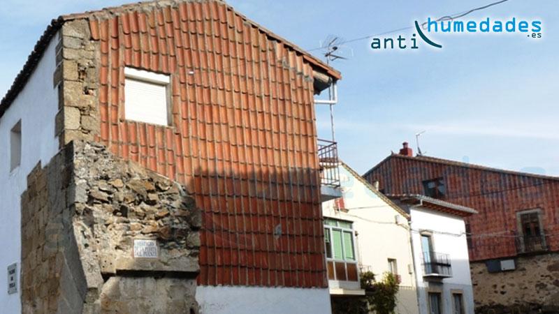 Las tejas era un forma de proteger paredes laterales exteriores o medianeras