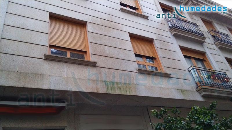 Fachada con musgo por falta de hidrofugado antihumedades - Materiales de construccion para fachadas ...