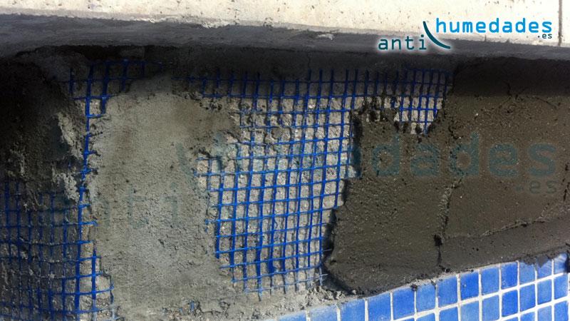 Imperjuntaflex se adhiere a superficies cerámicas, vidrio, mármol ... es apto para piscinas