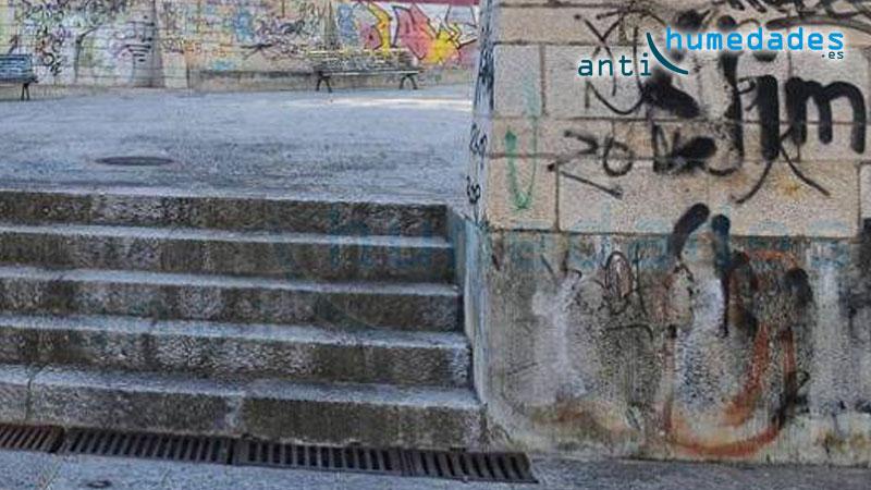 Los repelentes de orina sirven para facilitar la limpieza de grafitis, carteles publicitarios y suciedad ambiental