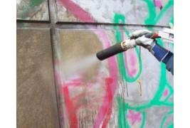 Limpiador de pintadas con rotulador, spray, tintas y graffitis