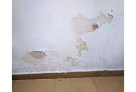 Repara las humedades capilares en muros y paredes para siempre aplicando poderosas barreras impermeabilizantes