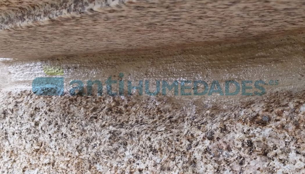 Hidrófugo barniz piedra Sopgal aplicado sobre piedra