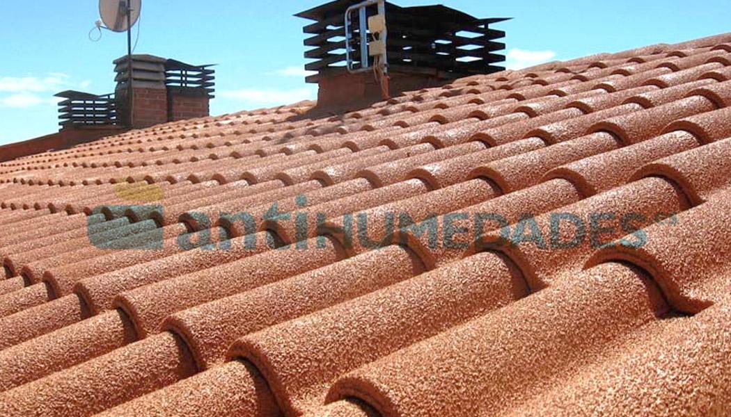 La pintura de corcho aislante impermeabiliza tejados y así evita filtraciones de agua