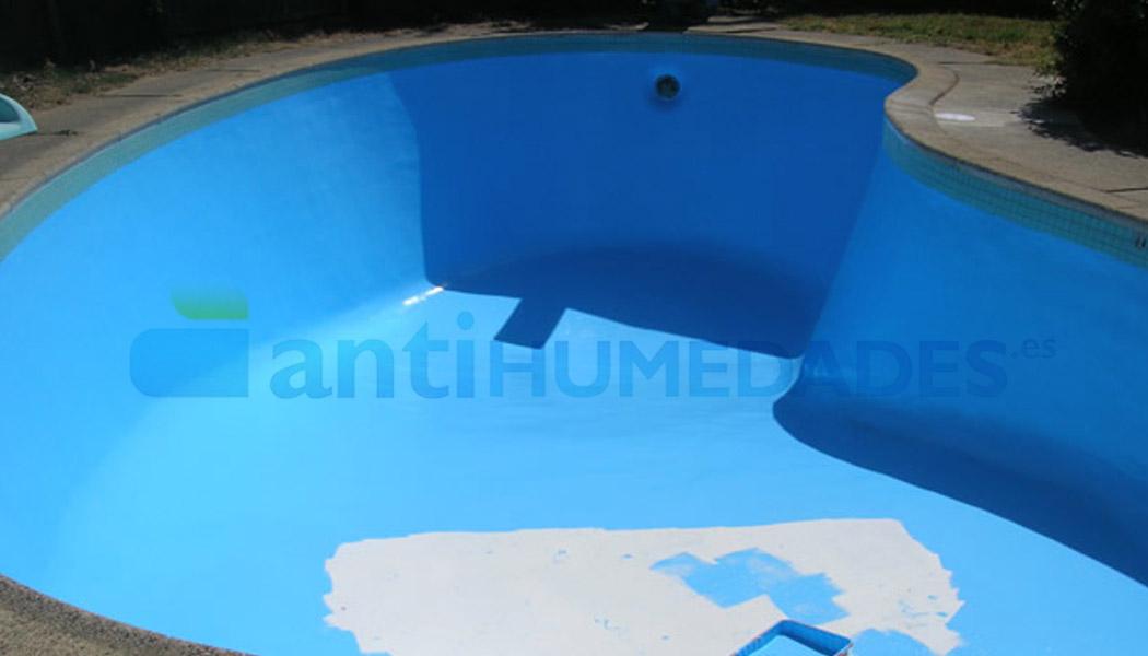 Disolvente Extrem para mejorar el agarre de la primera capa de la pintura para piscinas y estanques.