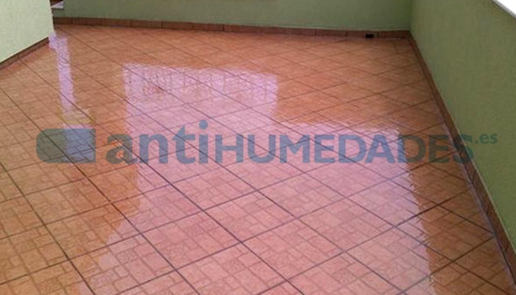 Goma líquida incolora impermeable para terrazas y balcones de baldosa o plaqueta
