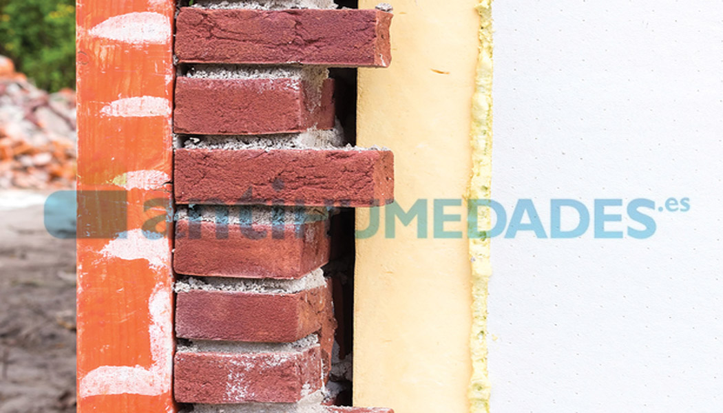 Lana mineral para insuflar en paredes y aislar térmica y acústicamente