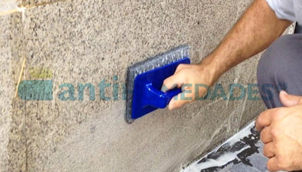 Limpiar parede de granito con Delicate Stone de Idroless