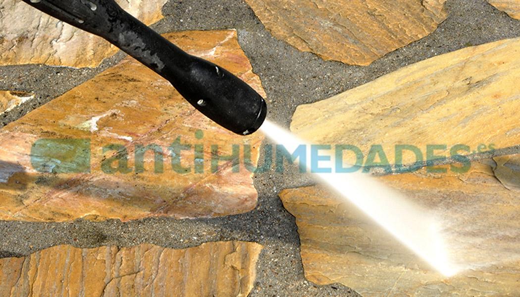 Aclarar con abundante agua después de aplicar Delicate Stone de Idroless