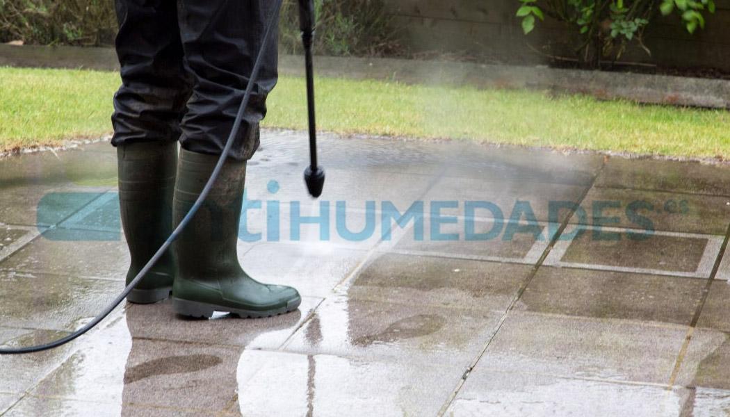 Limpieza de humedades con limpiador fungicida y antiverdin Bio 1 Idroless