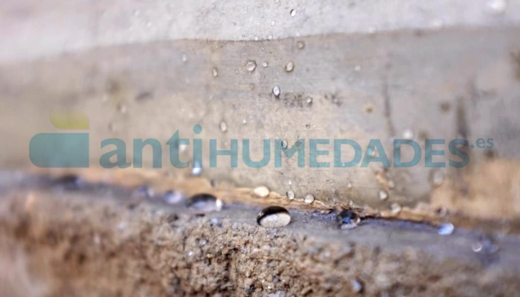 Efecto repelente de Hidrorin de Idroless sobre fachada de piedra