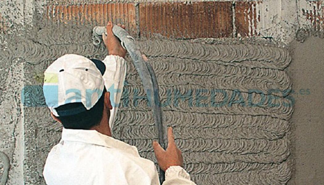 Aplicar Sanawarme de Azichem en pared